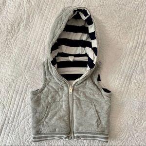 Preppy + warm reversible gap vest 12-18 months